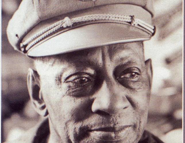 le premier concessionnaire harley davidson black