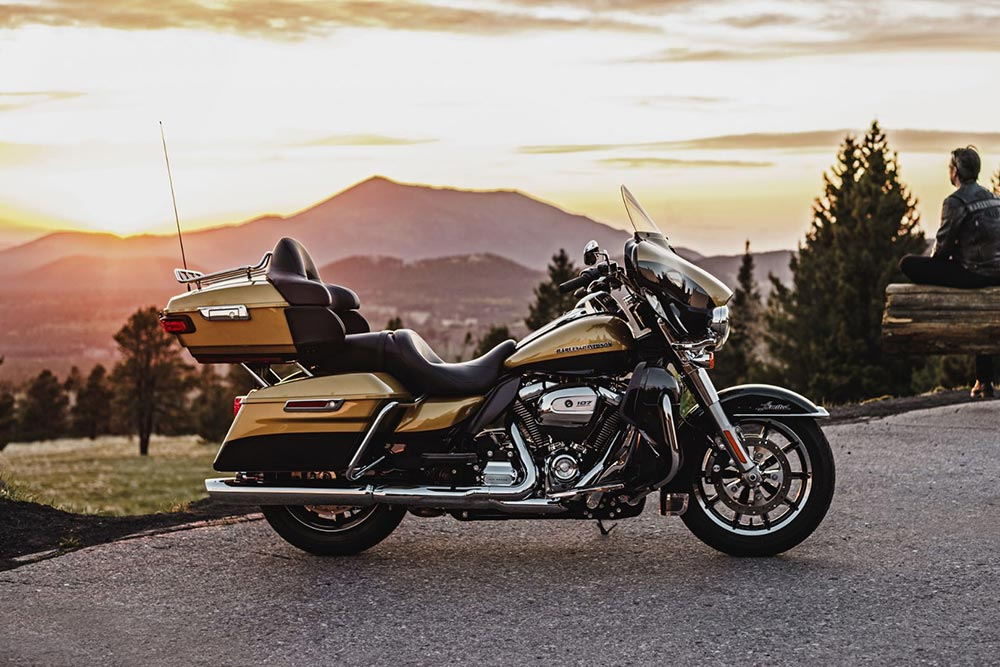 electra glide 107 milwaukee Eight