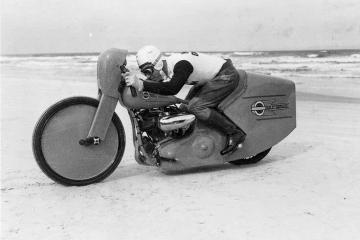 joe petrali daytona speed record