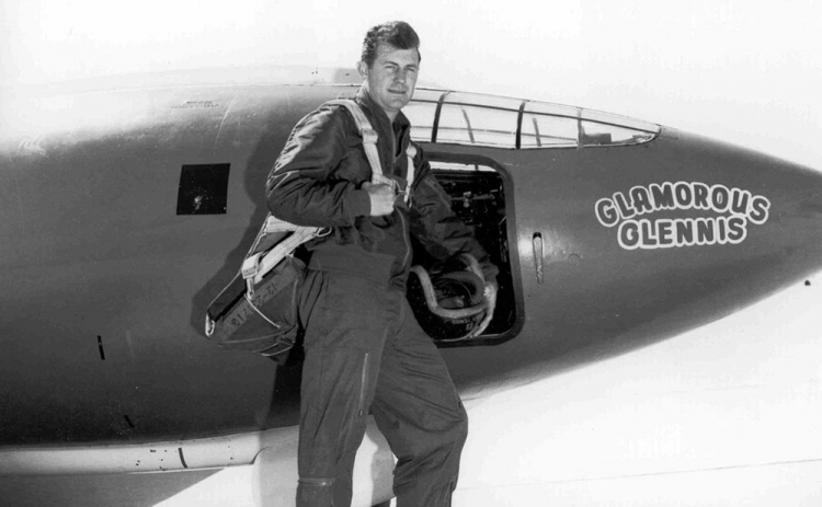 chuck yeager pilote