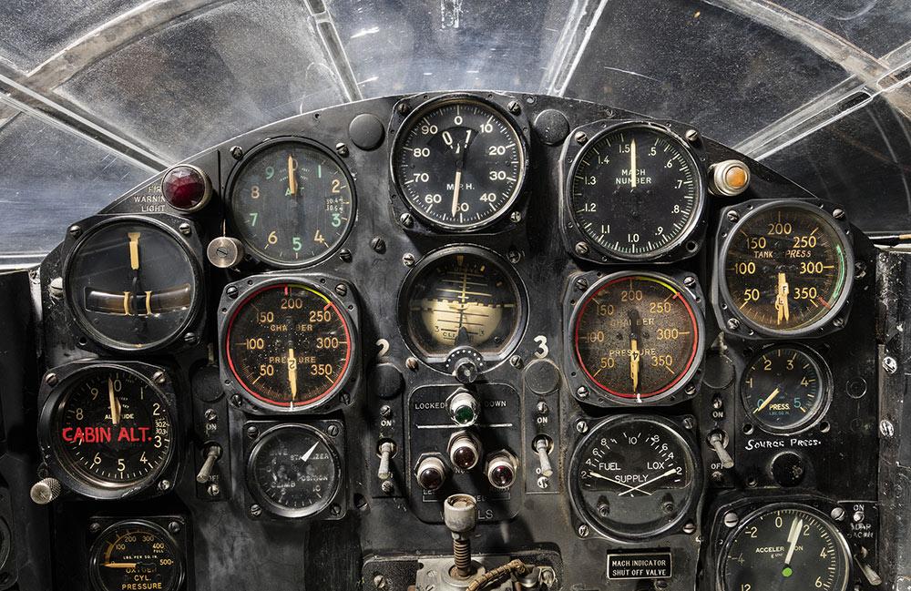 cockpit vintage plane