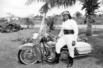 bssie stringfield motarde noire