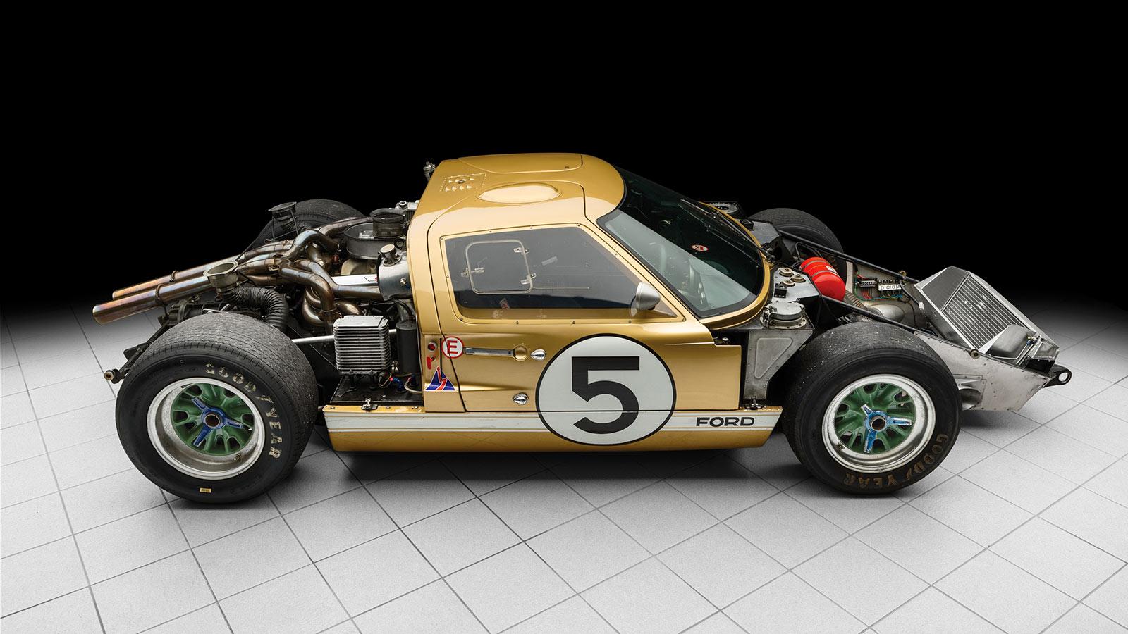 ford GT 40 V8 7 litres