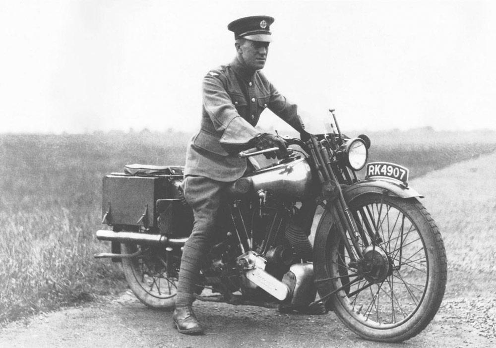 Laurence d'arabie moto