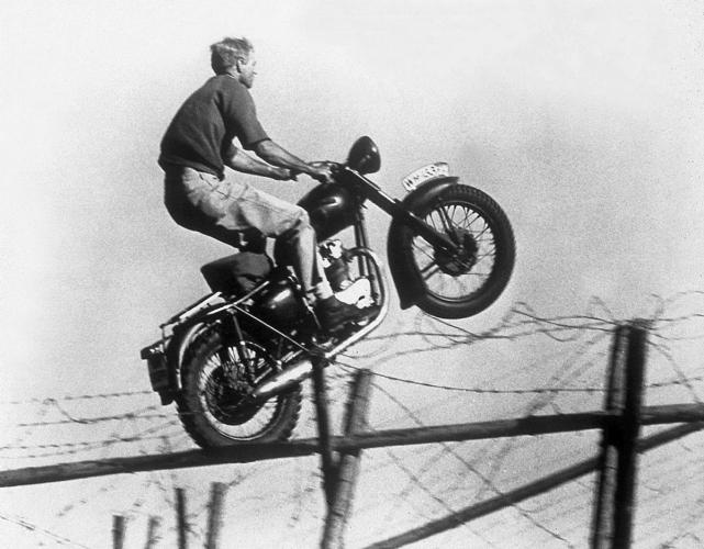 Saut en moto La Grande Evasion