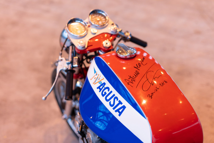 mv agusta : moto italienne