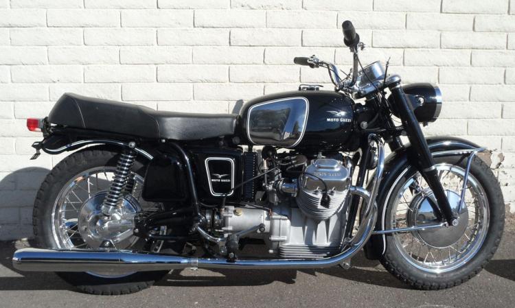 moto guzzi v7 1970