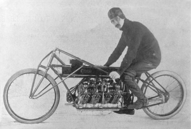 record de vitesse moto curtiss v8