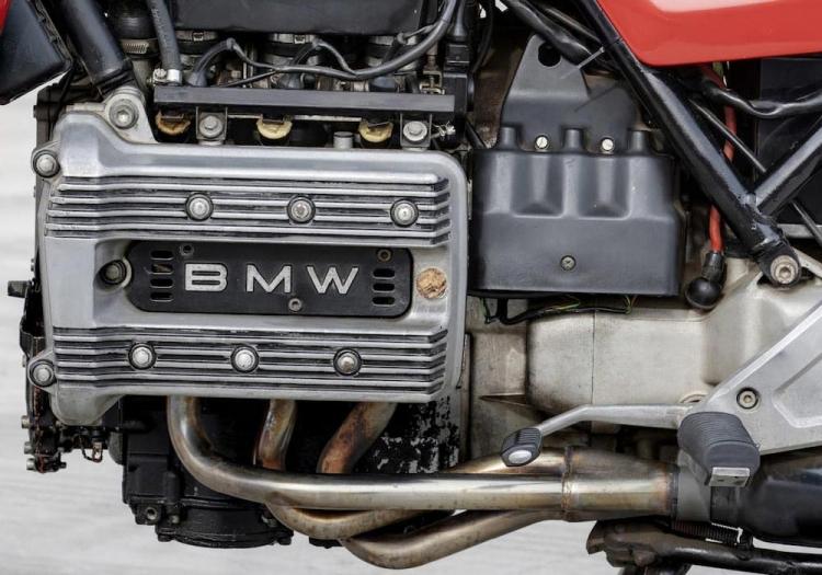BMW K75 moteur tricylindres