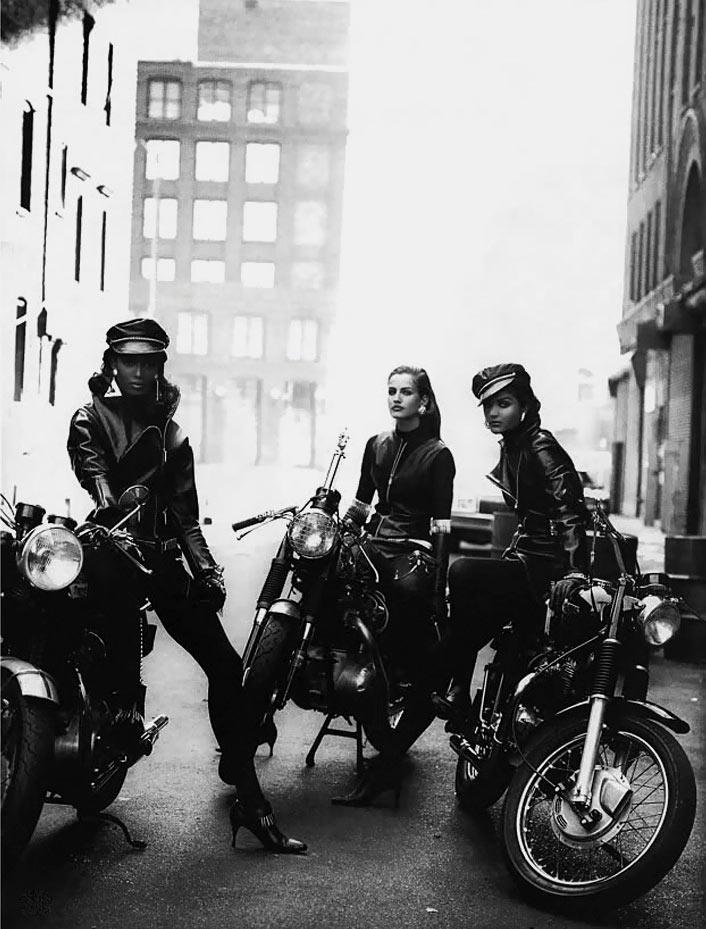 Naomi Cambell, Karen Mulder et Helena Christensen biker