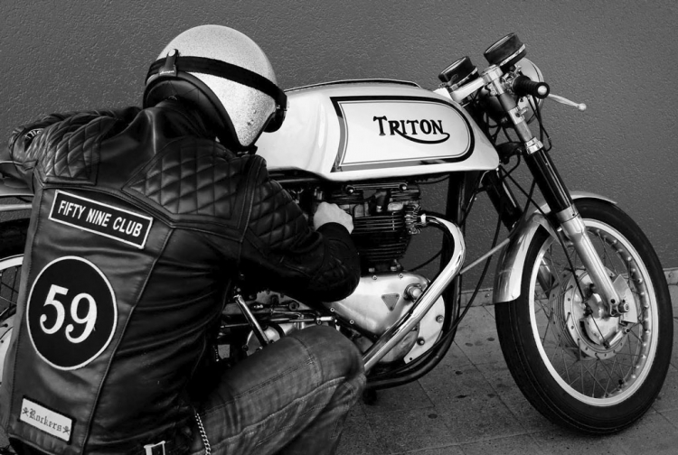café racer ton up boy