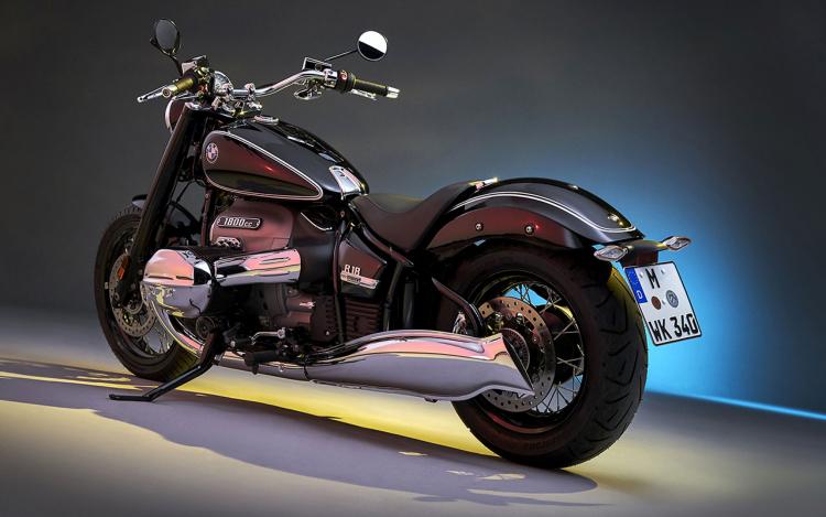 moto custom softail cantilver