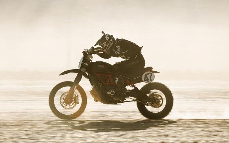 Ducati course désert Nevada