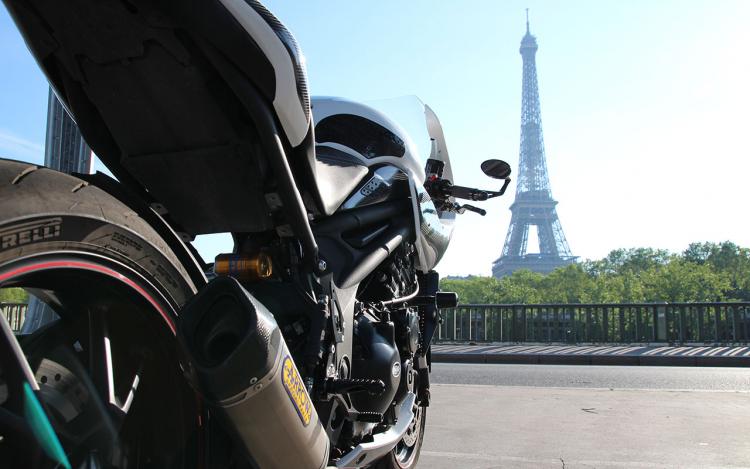 Café Racer with Eiffel Tower on backside