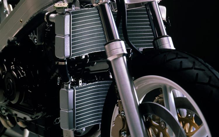 Honda RC30 : radiateurs