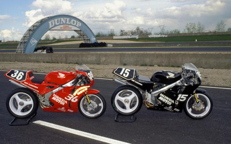 Honda RC30 team endurance français