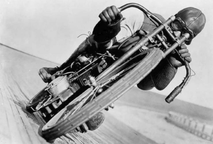 Otto Walker sur Harley-Davidson 1921