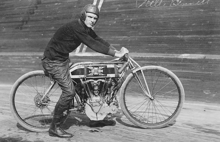 Board track racer Excelsior
