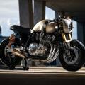 Yamaha XJR 1300 café racer